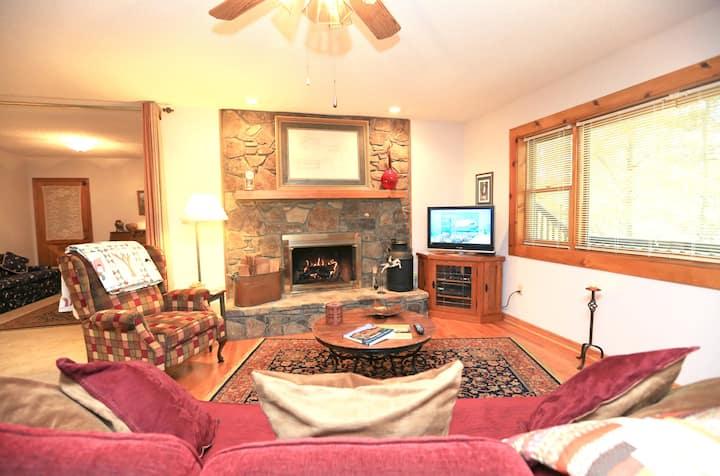 Private Asheville Cabin Apartment