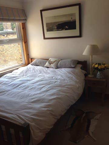 Charming Victorian terrace cottage - London - House