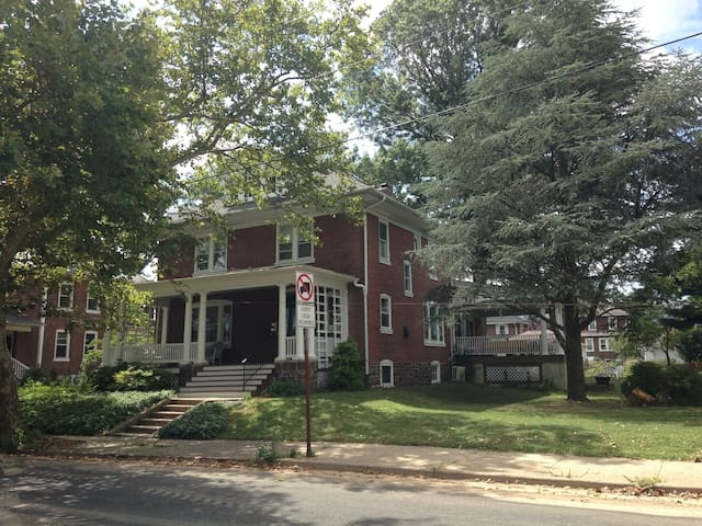 1920's American Foursquare House - Lansdale - Other