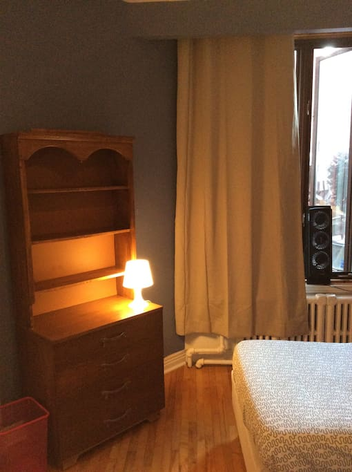 Quite affordable room convenient chambres d 39 h tes for Chambre d hote montreal