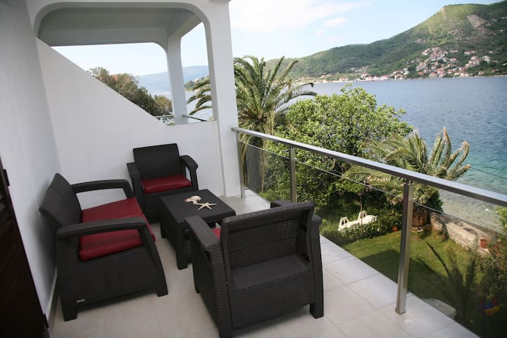 One badroom apartment with seaview - Lepetane - Apartment
