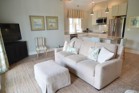 Ideal 30A RETREAT Perfect for Two - Rosemary Beach