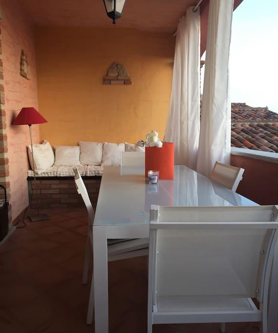 Grande  tavolo pranzo in terrazza