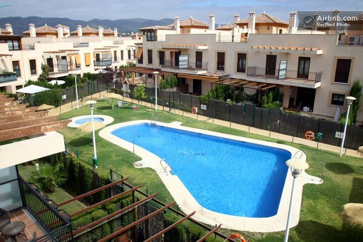Residential complex padel-swimming - Córdoba - Casa