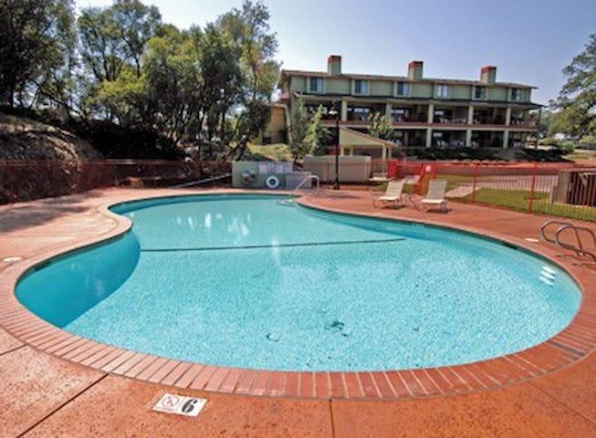Angels Camp CA 3BR Resort, FreeWiFi - Angels Camp - Villa