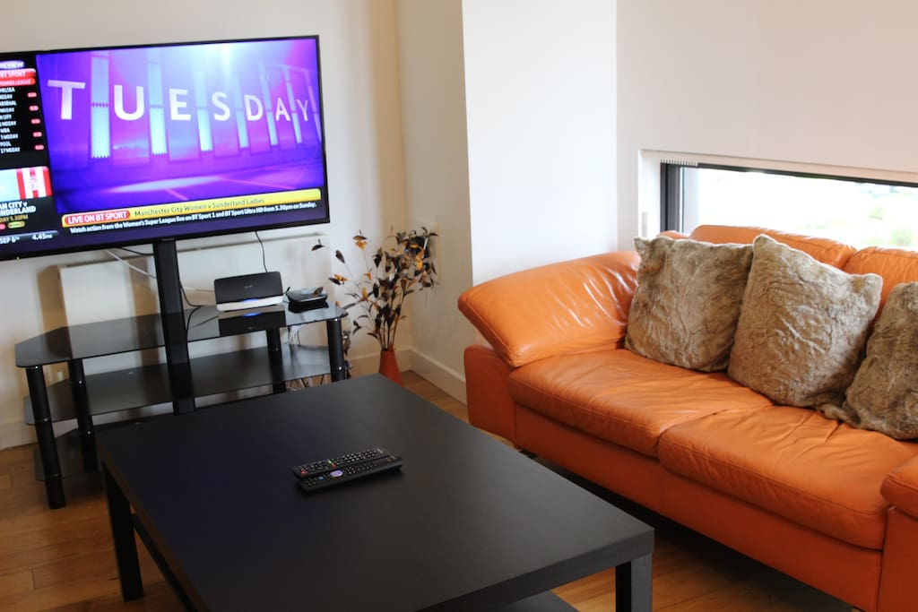 Living Rm with WiFi, SMART TV with BT SPORT