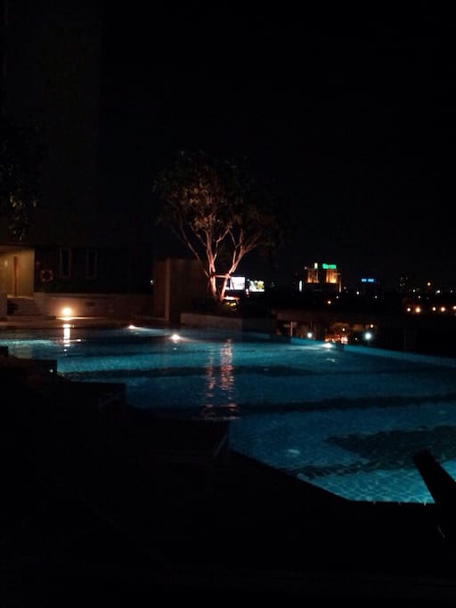 Swimming pool open from 6:00-23:00