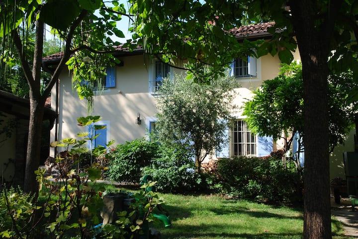 Suite per 5 con giardino e terrazza vista vigneti