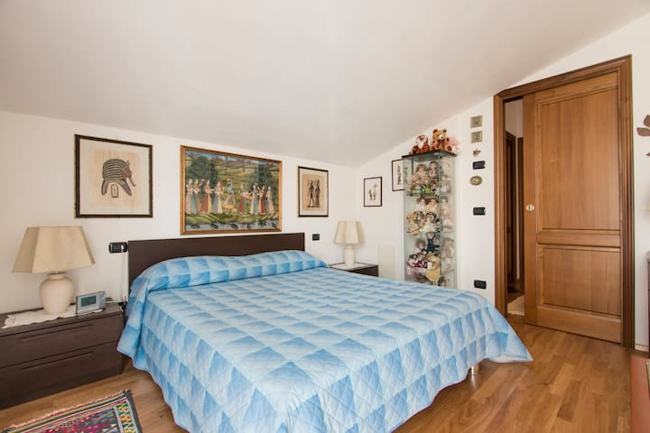 Sally'sB&B stanza (zona tranquilla) - Carrara - Bed & Breakfast