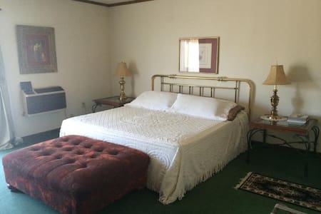 Honeymoon Suite - Brewster - Bed & Breakfast
