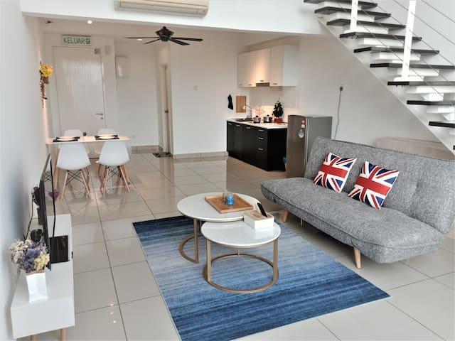 TAB 2 Luxury Duplex Suite @5mins to MidValley