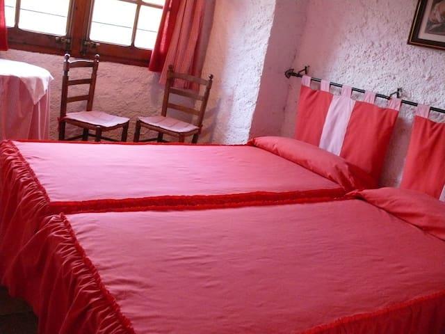 """Casa Rural al Montsant """"Cal Mateu"""" - La Bisbal de Falset - บ้าน"""