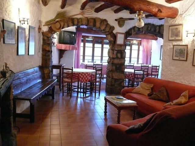 House for climbers  Margalef. La Bisbal de Falset