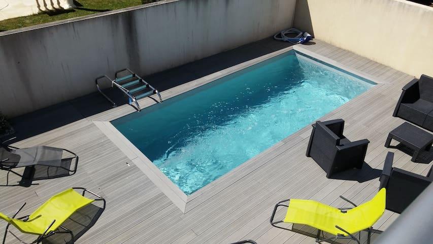 T3 neuf avec piscine privative