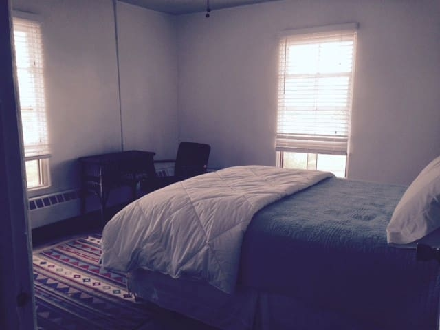 Parish Hall Room 5 Monthly Rental - Fort Defiance - Apartment