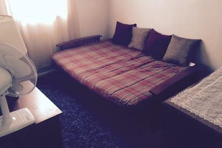 Private Room with Futon - Φιλαδέλφεια - Σπίτι