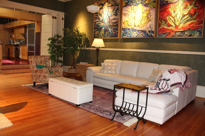 Downtown Salem Loft in Salem Oregon - Salem - Loft