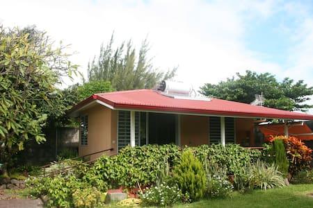 Tahiti Garden Bungalow - Mahina - Māhina - บ้าน