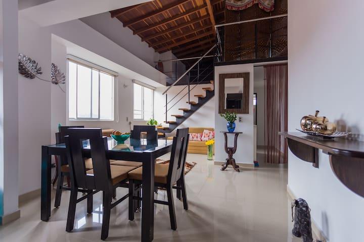 Sunny apartment in Laureles
