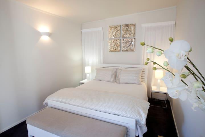 Central Luxury Apt (2) - 1 Bedroom - Coromandel - Huoneisto