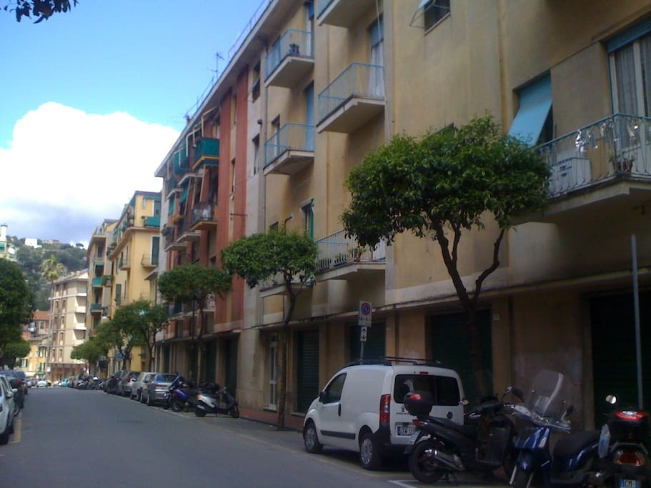 Approaching Casa Dogali from Via Dogali in the very center of Santa Margherita