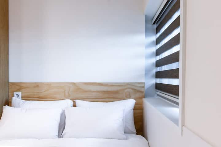 Double Bed(#4) - 명동의 중심. Center of Seoul