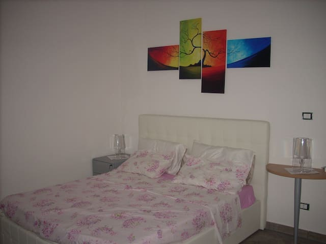 "M. R. """"room"""" - Sant'Egidio - Apartament"