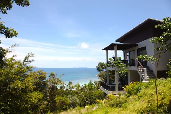 STUNNING VIEW TWO-LEVEL 2BR HOUSE IN HAAD SALAD - Ko Pha-ngan - House