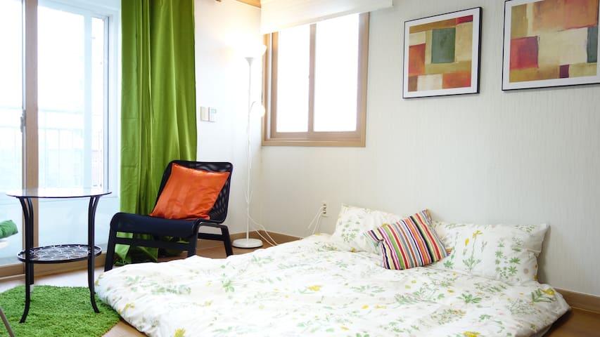 Waterfront cozy room + Free Pickup - Talhae-ro, Gyeongju - Apartamento