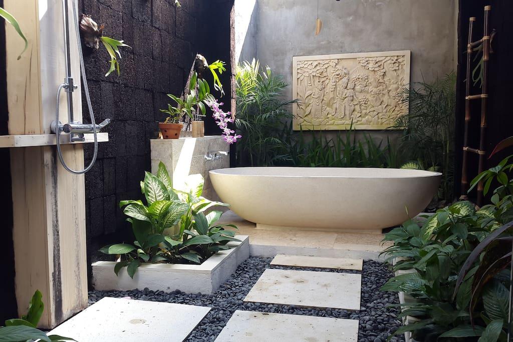 Bathroom in 2 bedroom private pool villa
