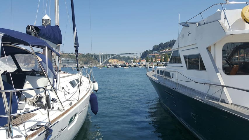 Marina da Afurada with view to Arrábida Bridge just 3 minutes away from our apartament.
