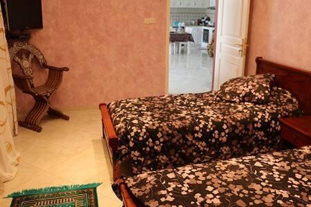 """Maison d'hôtes """"Villa hajj KADDOUR"""" - Commune d'Ouled Rahmoun Constantine"""