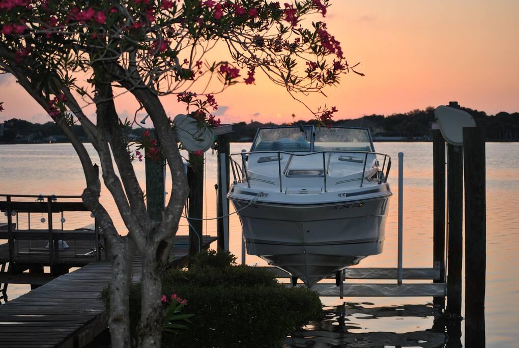 Dock / Dock at sunrise