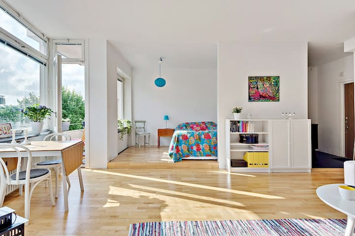 Beautiful studio apartment. - Solna - Departamento