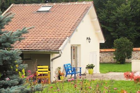 La Maison d'Alexia - Saint-Marcel - Gjestehus
