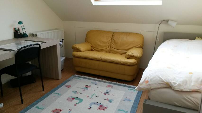 Sunny and quiet room for two - Ville de Bruxelles - Ház
