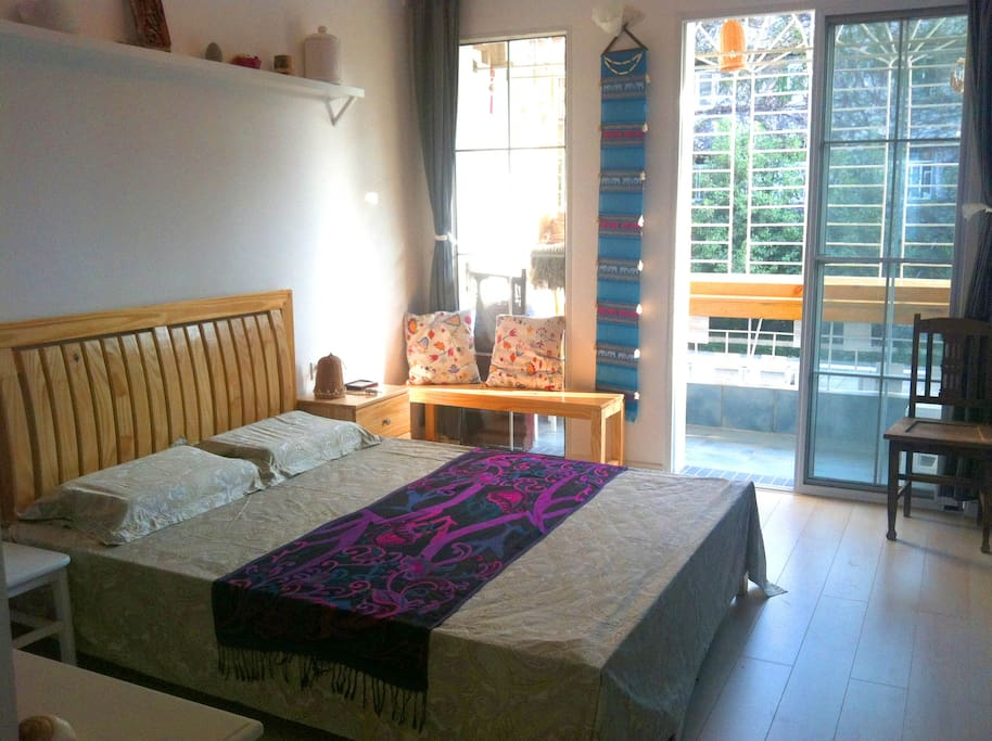 客房卧室,带独立阳台