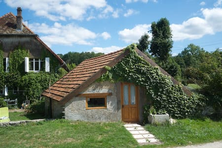 Studio apartment in rural idyll - Loulans-Verchamp - Alpstuga
