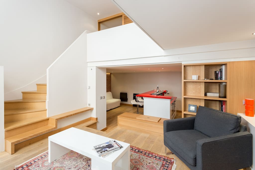 Loft atelier 60 m2 tour eiffel lofts louer paris for Location atelier loft