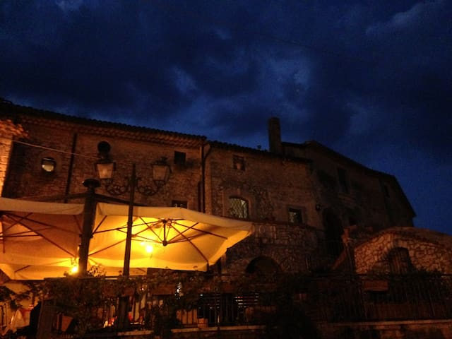 fuga romantica in borgo medievale - Castelnuovo Parano - Dom