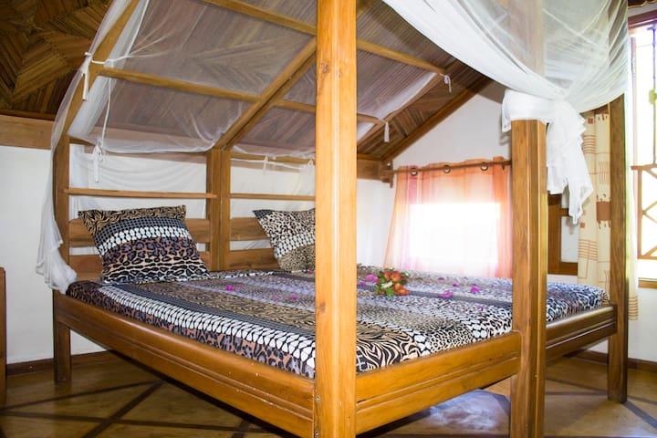 villa palmarosa bord de mer - Andilana - Erdhaus