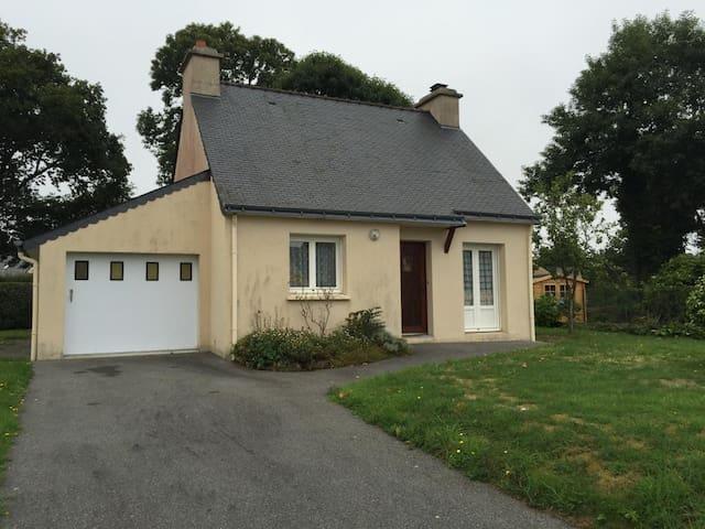 Pavillon dans un petit bourg breton - Quistinic - Rumah