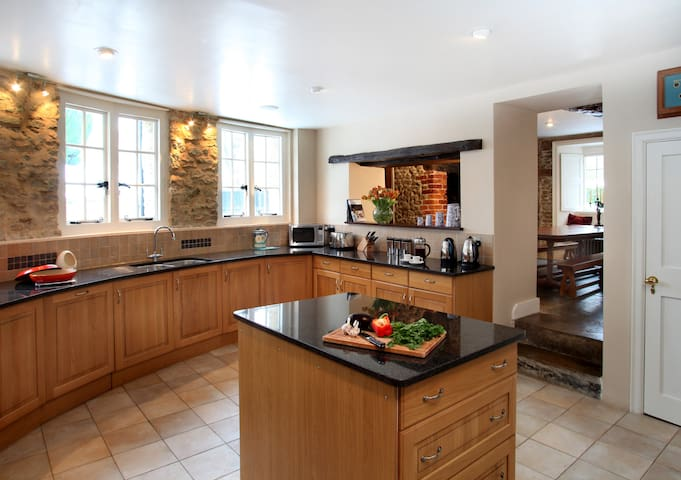 Large well equipped kitchen