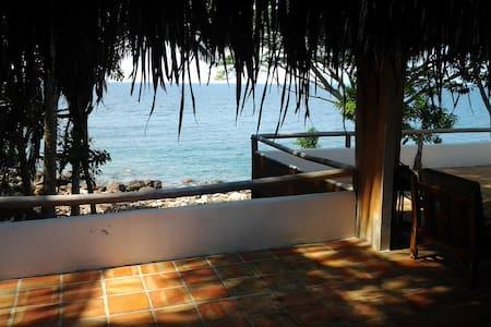 romantic beachfront house pv/yelapa - Chimo