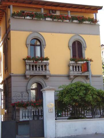 Bed in Milano - Milán - Bed & Breakfast