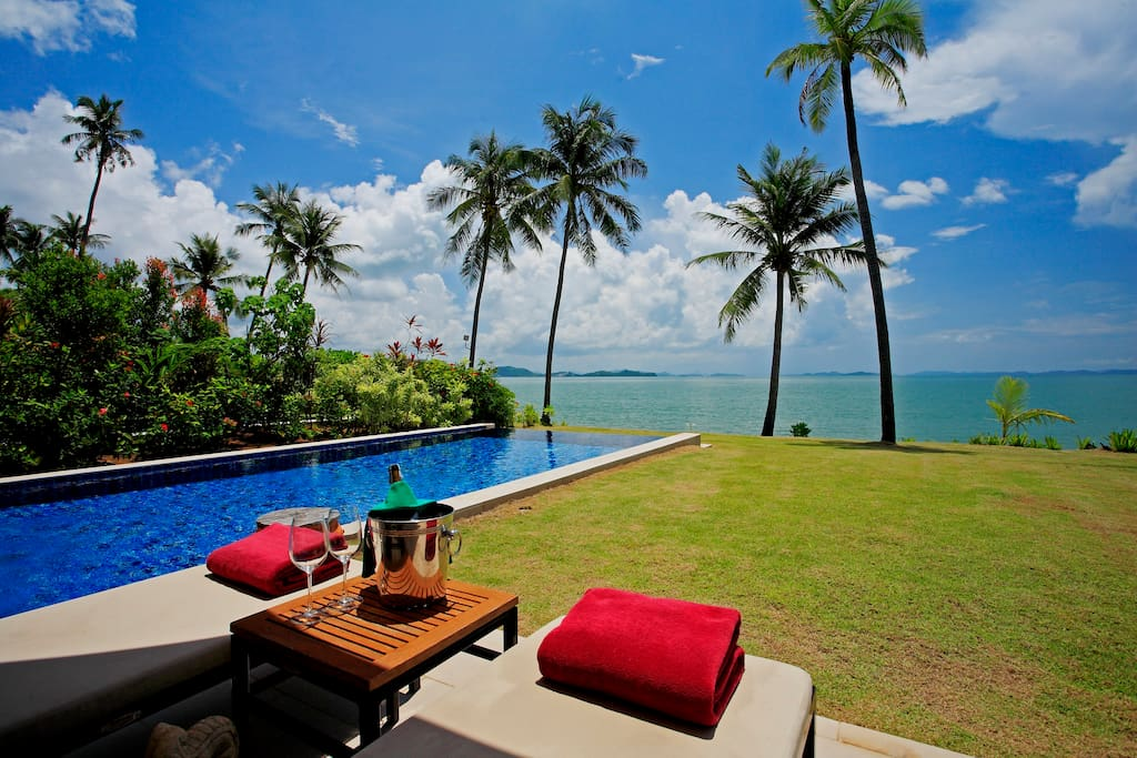 Private Infinity Pool and Beach Front Garden