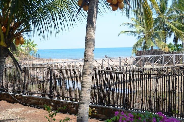 Villa vue sur la mer ! - Nosy-Be - Casa de camp
