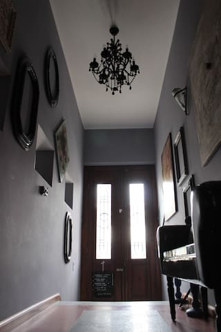 Remus-Art Hostel   room *Moods* - Colonia del Sacramento - Bed & Breakfast
