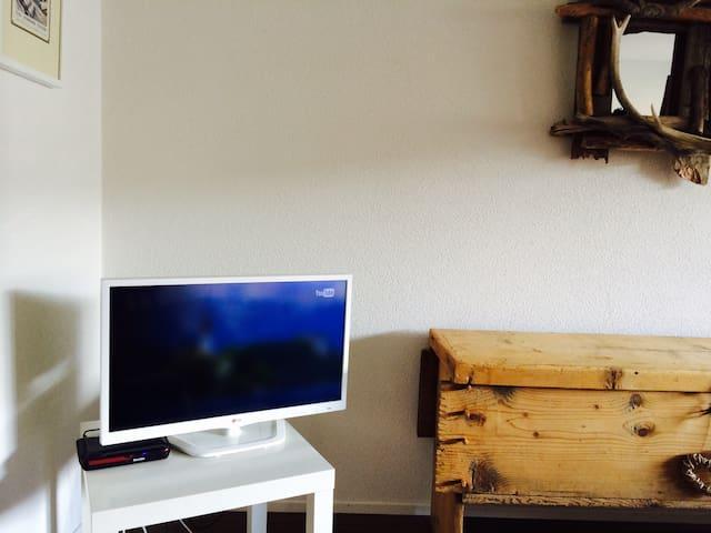 Stylish Ski apartment 4p LAAX - Laax - Apartamento