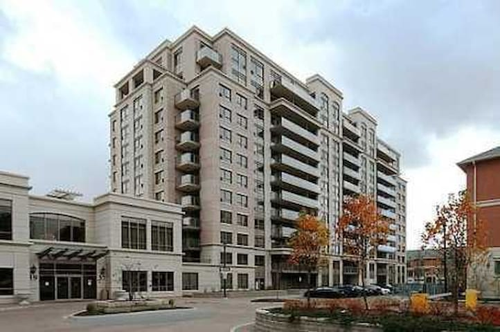 Perfect Markham location - Markham - Condominio